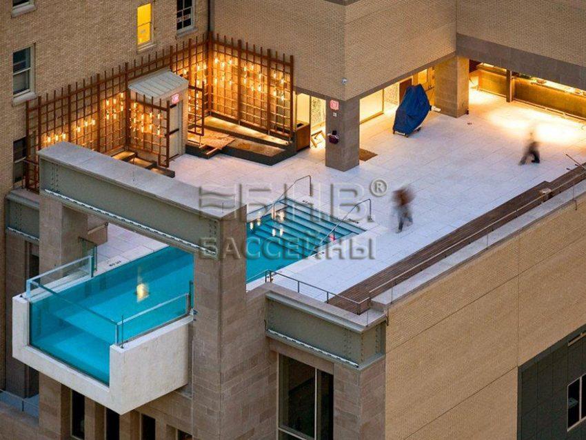 стеклянный бассейн