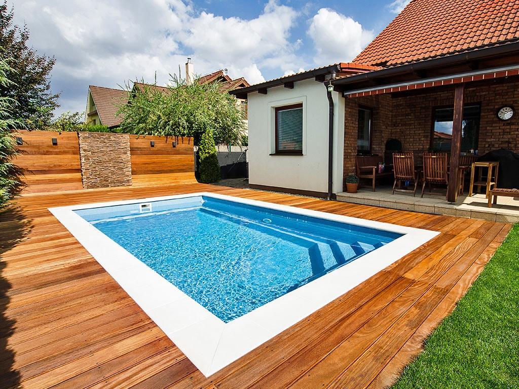преимущества стекловолоконных бассейнов