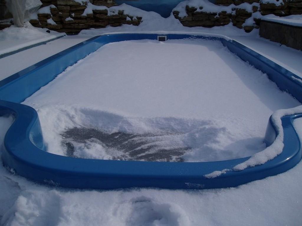 Как правильно подготовить бассейн к зиме