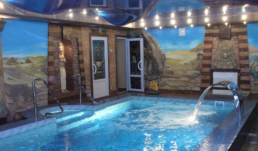 Отделка стен в помещении с бассейном