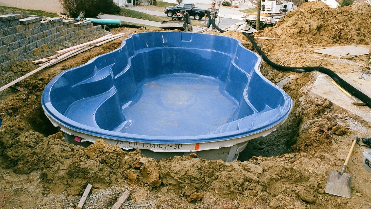 Заказать бассейн или купить готовый